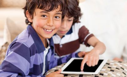kids-with-tablets