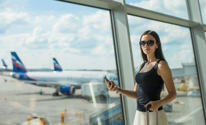 girl-at-airport