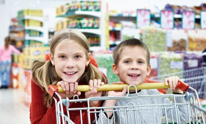 kids-in-supermarket