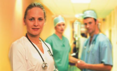 female-surgeon-and-team