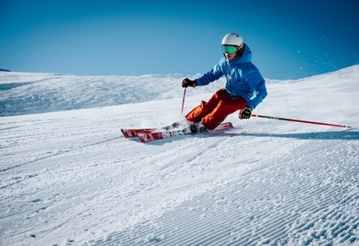 NSW ski resorts the main game in town as Victorian border closes