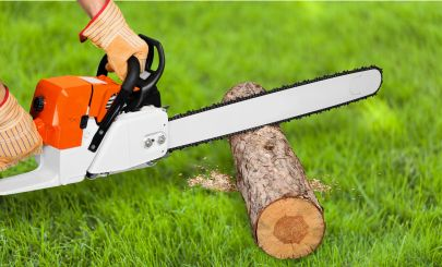chainsaw-in-action