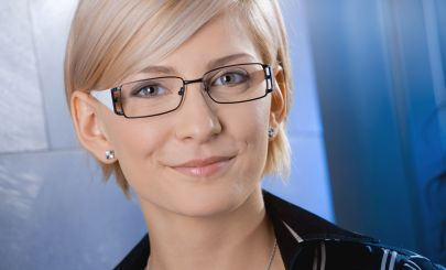 blonde-woman-glasses