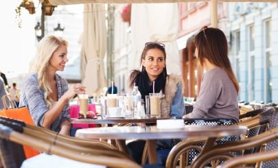three-girlfriends-having-coffee